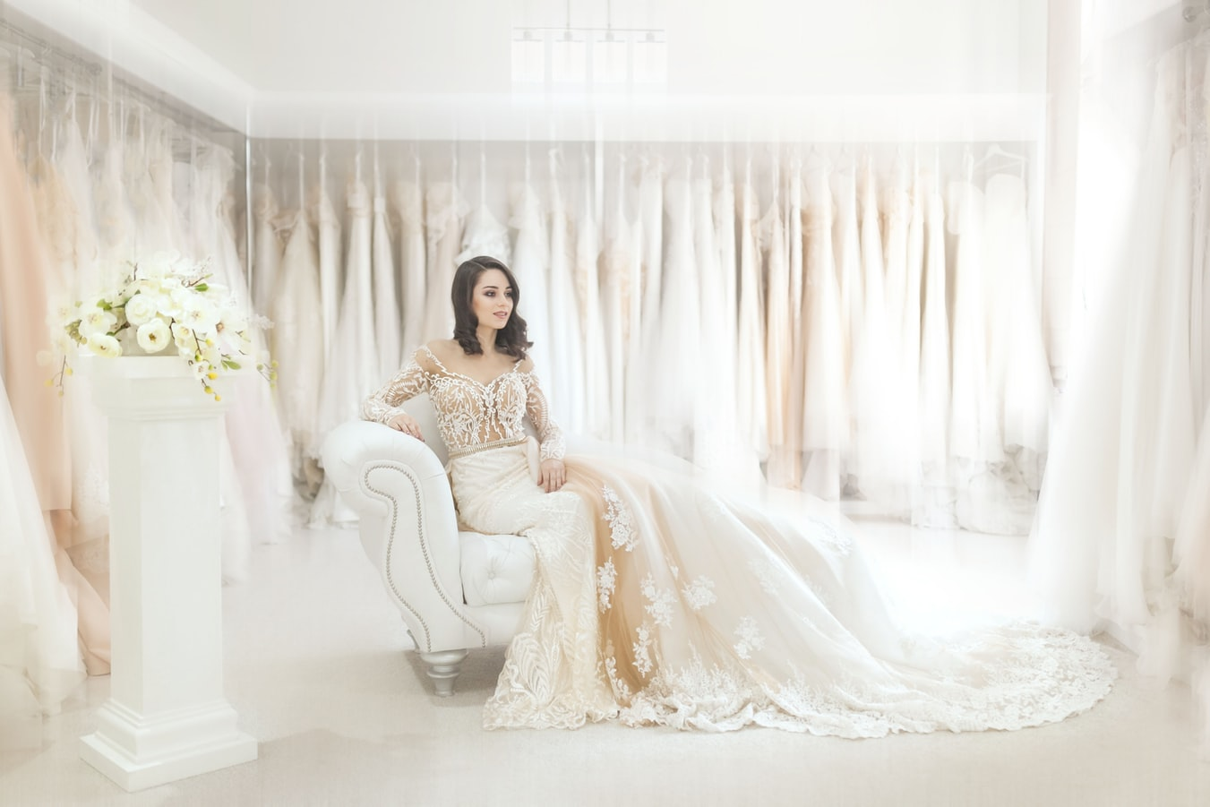Who Should You Bring Wedding Dress Shopping?