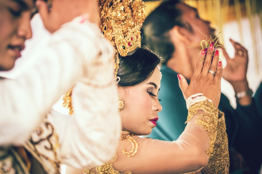 A Guest's Guide To Interfaith Weddings